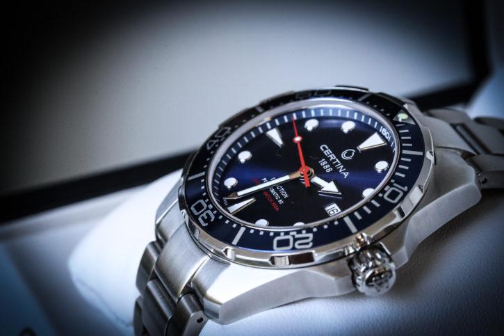 laatukello certina premmiumwatch swisswatch svetisiläinen kello