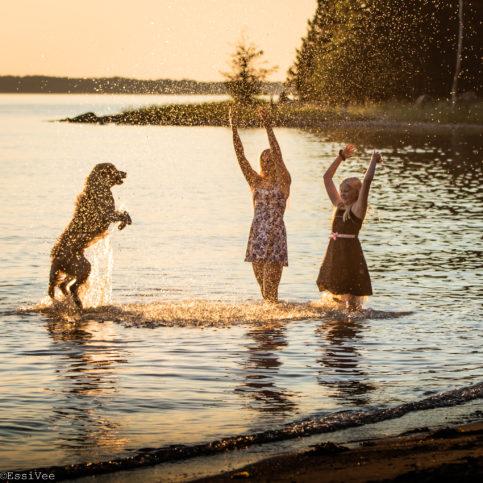 kutainennoutaja miljöökiuva kesäkuva lapsikuva parainen rantakuva