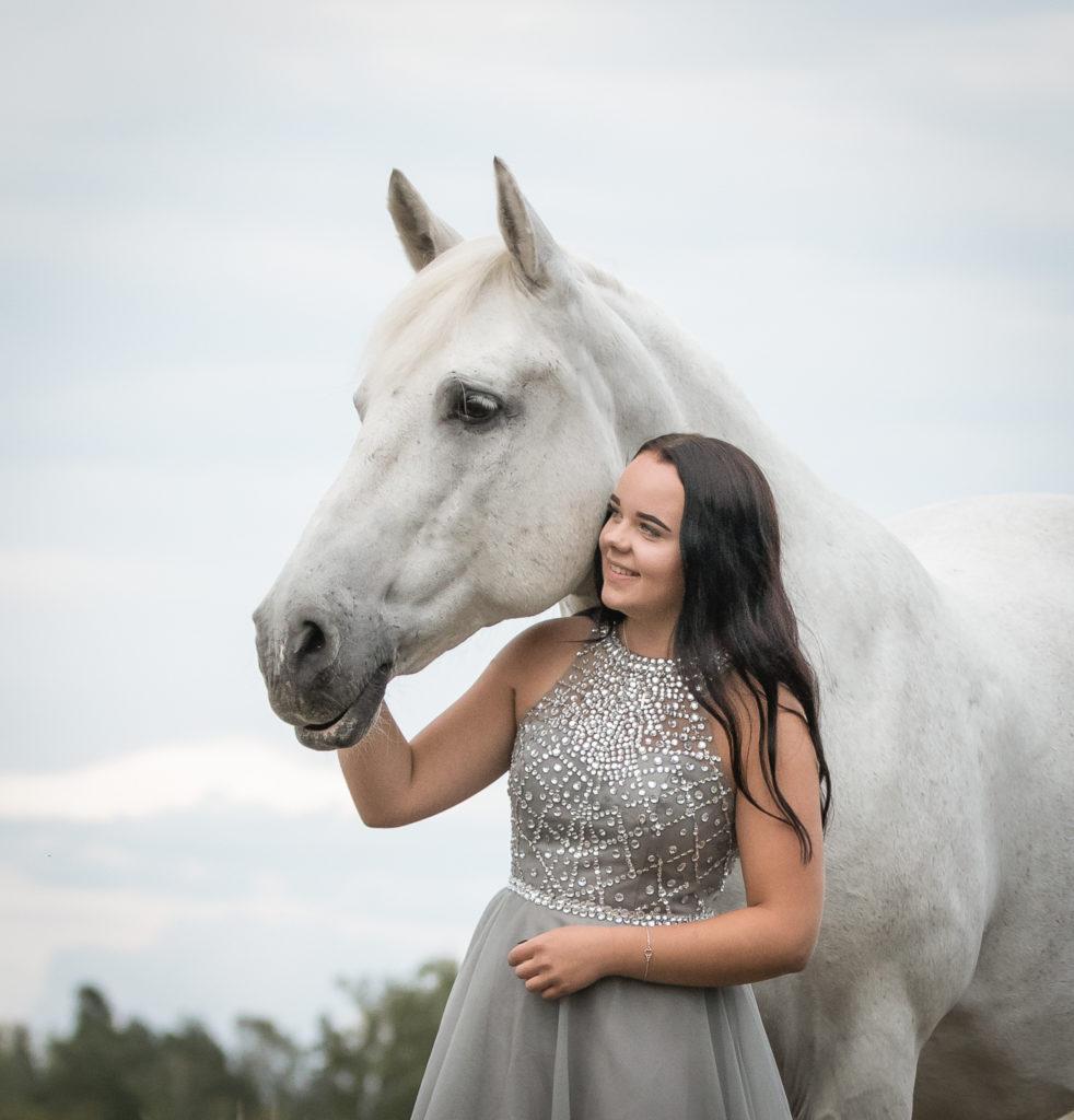 rippikuva muotokuva hevoskuva miljöökuva konfirmationsfoto