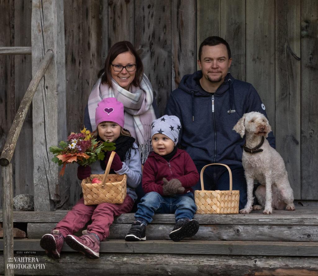 perhekuva familjfoto miljöfoto miljöökuva
